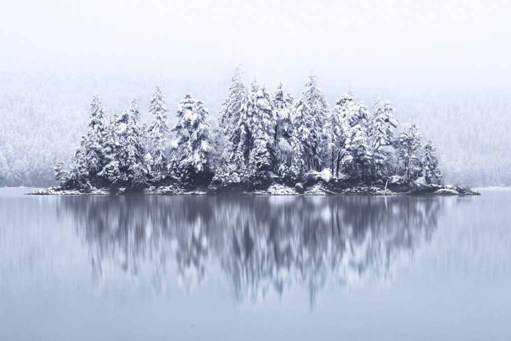 "<a href=https://mymodernmet.com/winters-tale-landscape-photography-kilian-schoenberger/ target=_blank >Icy Landscapes Tell a ""Winter's Tale"" of the Snow-Covered Forests of Europe</a>"