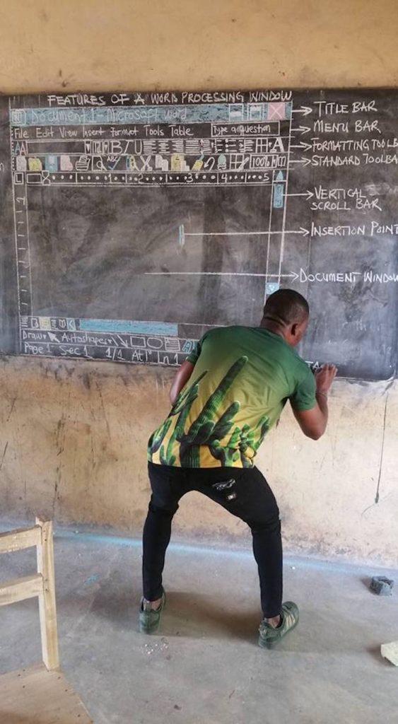 <a href=https://mymodernmet.com/owura-kwadwo-hottish-impactful-teacher/ target=_blank >Teacher in Rural Ghana Creatively Teaches 'MS Word' Entirely on a Chalkboard</a>